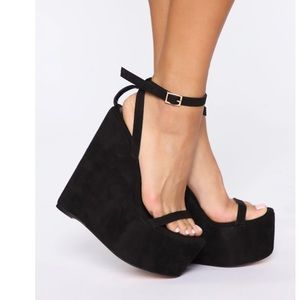 'Higher and Higher Wedge'-Black